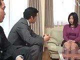 ScreenShot busty japanese babe gets seduced 5