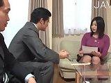 ScreenShot busty japanese babe gets seduced 6