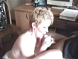 Sexy milf gave head