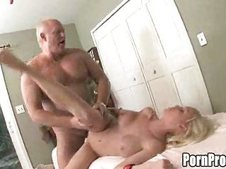 Old dude bangs young girl