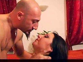 Brunette slut makes deep throat for her guy