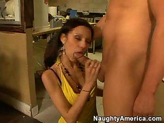 Sexy waitress gave head to sly client