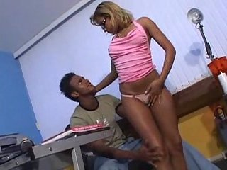 Office sex with ebony prick