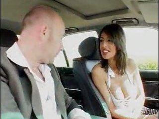 Brazilian leggy slut fucking in car
