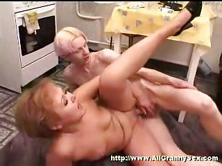 Skinny lad fucks with sex hungry mom