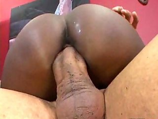 Ebony Slut On The Top Of Stout Cock