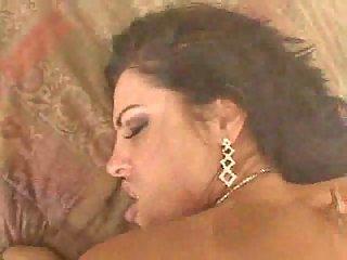 Succulent Veronica Rayne VS POVs Dong