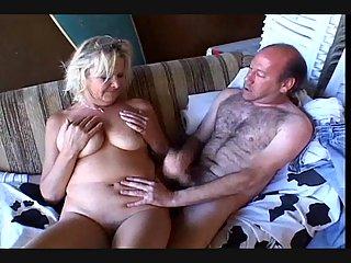 Stunning tits sucking & creampie