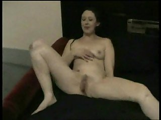 Amateur nude slut fingering on cam