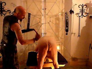 Amateur ass spanking action