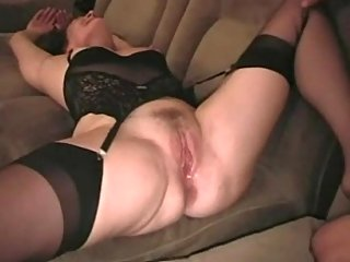 Mature bitch red pussy creampied