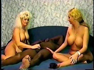 Threesome interracial vintage action