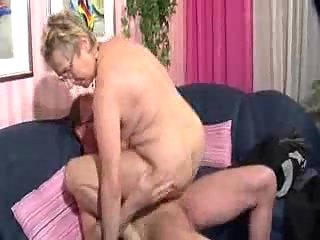 Nasty granny in hot ramming action