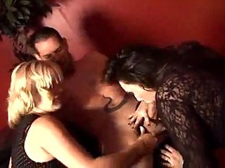 Threesome hardcore sex