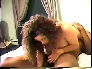 Vintage Slut Gets Oral Session With Ebony Partner