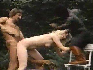 Vintage DP sex outdoor with ebony midget