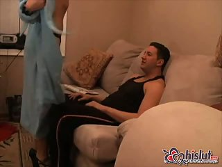 Thumb Husband invites a friend to fuck his wife