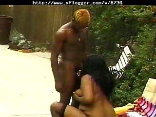BBW Ebony blows cock outside
