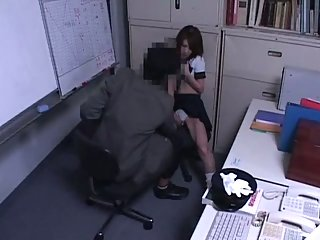Thumb Schoolgirl caught in doggy style