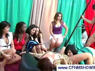 Guy cums on chick back while she licks