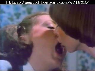 Threesome vintage sex with cumshot