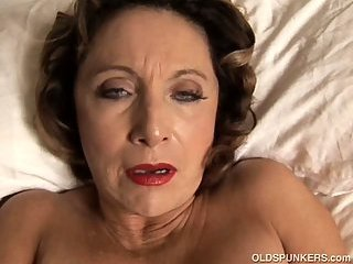 Sexy Latina cougar plays with her cunt
