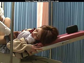 Gynecology doctor fucks Jap girl