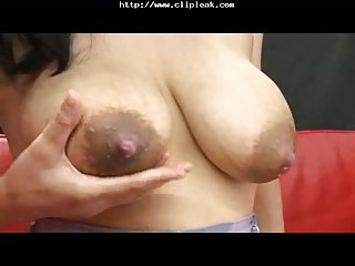 Japanese MILF has got big boobs
