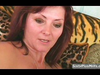 Mature masturbating her old snatch