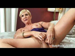 Hot grandma loves her old snatch