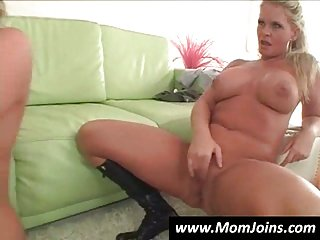 Mature whore and her daughter in threesome