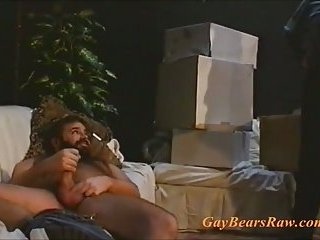 Big gay bear in the mood for some cock
