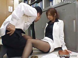 Ooffice footjob in nylon pantyhose