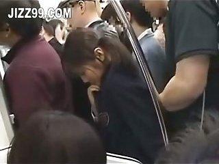 Thumb Japanese schoolgirl fucked in train