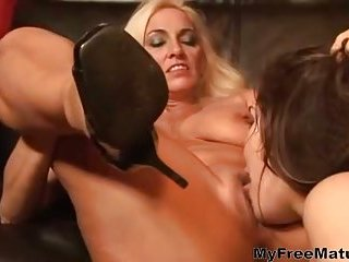 Marley Mason dines on the cougar cunt of Kayla