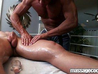 Massagecocks Seduce The Jock