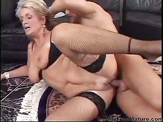 Skanky Mom Wants To Be Fucked