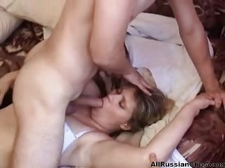 Thumb Russian Mom Bangs With Son