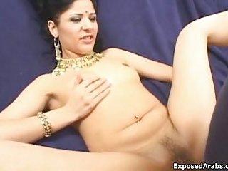 Horny Indian slut loves fucking