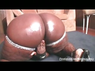 Thumb Ebony Fattie Eating Cock
