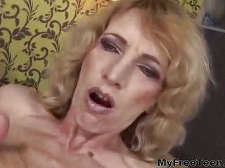 Sexy Mature Fisted By Teen