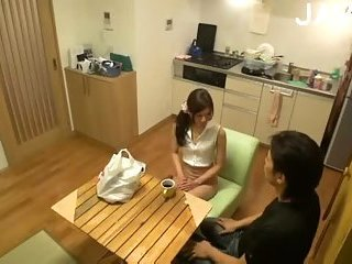 Thumb Japanese Babe Gets Pussy Checked