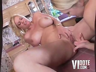 Step Mom Eats And Fucks Daughter