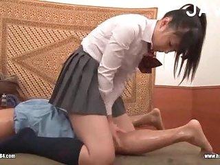 Thumb Japanese slut massaging guy body