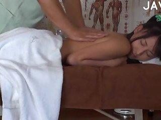 Thumb Hot Asian Babe Gets Massaged