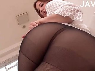 Babe In Pantyhose Gives Footjob