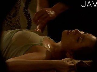 Thumb Oiled Babe Gets Sensual Massage