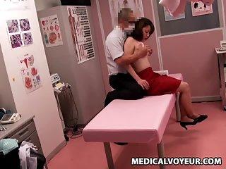 Thumb Gynecologist Orgasm Spycam 1