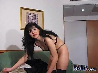 Renata stripteased