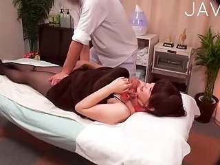 Hot Japanese Babe Gets Massage